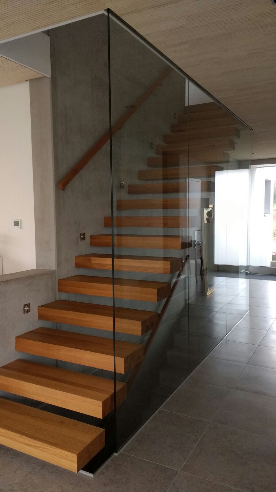 Treppenhausfestverglasung